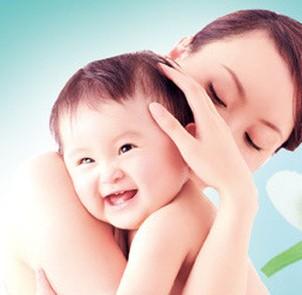 解析高级育婴师 负责细心态度火热成为必然